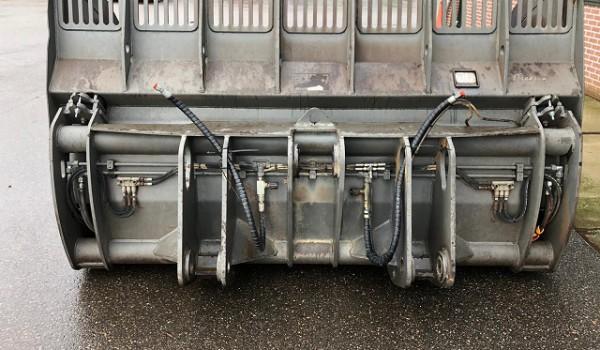 Eurosteel hoogkiepbak 2700mm 4000liter Volvo vaste aansluiting
